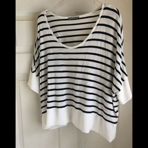 Zara short-sleeve top size small